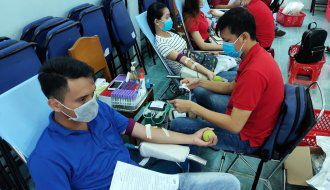 Cán bộ, đoàn viên thanh niên Khối các cơ quan và doanh nghiệp tỉnh tham gia hiến máu tình nguyện năm 2020