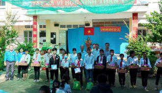 Chi đoàn Sở Lao động –Thương binh và Xã hội tổ chức về nguồn tại xã Hòa Ân, huyện Cầu Kè