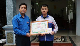 Bắc Ninh: Trao tặng huy hiệu Tuổi trẻ dũng cảm cho học sinh cứu người đuối nước