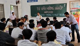 Đoàn Trung tâm GDTX-HNDN TP. Trà Vinh phối hợp tổ chức tư vấn, hướng nghiệp cho học sinh năm học 2020 – 2021