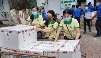Chi đoàn Công ty TNHH MTV Xổ số kiến thiết Trà Vinh Chung tay hỗ trợ tiêu thụ vải thiều Bắc Giang