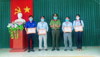 Chi đoàn Trung tâm Kiểm soát bệnh tật Trà Vinh: Nhận giấy khen trong hoạt động phối hợp phòng, chống dịch bệnh Covid-19