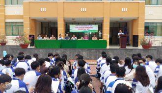 Đoàn trường THPT Chuyên Nguyễn Thiện Thành tổ chức tư vấn tuyển sinh, hướng nghiệp năm học 2020 – 2021